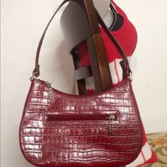 Maxx shoulder Bag This is a used but never been used purse. Maxx Bags Shoulder Bags
