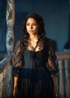fuckyeahcostumedramas:  Jessica Parker Kennedy in 'Black Sails' (2014). x
