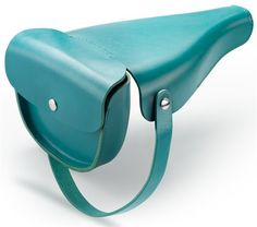 it fits over your bike seat and then folds into a handbag #product_design #industrial_design #cycling