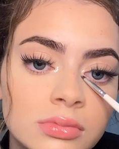 Makeup Looks Tutorial, Smokey Eye Makeup Tutorial, Easy Makeup Looks, Makeup Tutorial Videos, Perfect Eyebrows Tutorial, Basic Makeup Tutorial, Skin Makeup, Eyeshadow Makeup, Drugstore Makeup