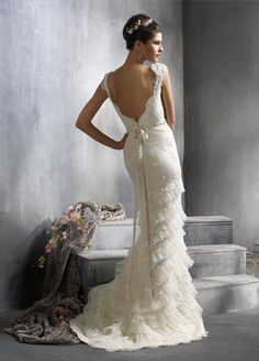 Google Image Result for http://images.seekyt.com/uploads/1335687501_Wear%2520discount%2520wedding%2520dresses%2520with%2520cap%2520sleeves.jpg