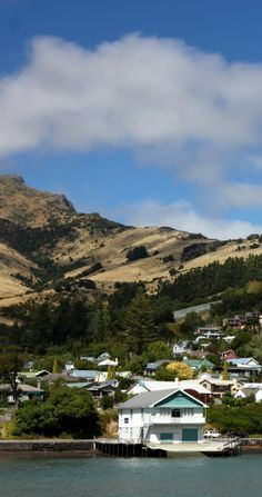 Akaroa - A pretty little town on the Banks Peninsula of the Canterbury region, NZ Nz South Island, The Beautiful Country, Small Island, Canterbury, Beautiful Places To Visit, Pacific Ocean, What Is Like, Homeland, Kiwi