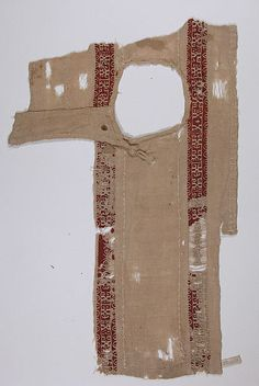 Tunic Fragment with Button Closure Date: 5th–8th century Medium: Linen, wool; tapestry weave Accession Number: 09.50.1431 Met