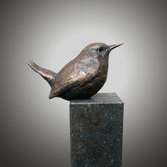 Afbeeldingsresultaat voor bronzen vogels Clay Birds, Ceramic Birds, Ceramic Animals, Ceramic Art, Pet Birds, Hand Built Pottery, Slab Pottery, Ceramic Pottery, Bird Sculpture