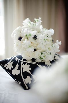 Black and White Wedding Bouquet 275x413 Virginia Wedding with a View: Jillian + Nate