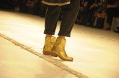 Fotografía de/ por  © Rocío Pastor Eugenio.  ® WOMANWORD #TMCollection by #TeresaMartins #PortugalFashion #Porto #music #voice #singer #AdrianaQueiroz #folkdance #folkdancers #ClubeTap #Portugal #fashion #fashionweek #culture #travel #photo #photography by Rocío Pastor Eugenio. All in WOMANWORD http://womanword.com/2014/04/10/portugal-fashion-tm-collection-by-teresa-martins/