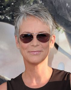 """Jamie Lee Curtis Photos - Actress Jamie Lee Curtis arrives to the premiere of Warner Bros.'s """"Flipped"""" on July 2010 in Hollywood, California. - Premiere Of Warner Bros. Cute Hairstyles For Short Hair, Different Hairstyles, Girl Short Hair, Short Hair Cuts, Girl Hairstyles, Jamie Lee Curtis Hair, Short Hair Glasses, Medium Hair Styles, Short Hair Styles"""