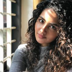Anupama Parameswaran Recent Photo Stills South Indian Actress, Beautiful Indian Actress, Beautiful Actresses, Super Hot Photos, Beautiful Blonde Girl, Gorgeous Girl, Beautiful Ladies, Anupama Parameswaran, Heroine Photos