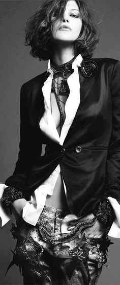 ~Catherine McNeil, Numéro France | The House of Beccaria#