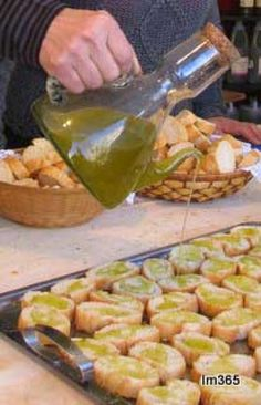 Oli de Siurana , de olive arbequina, el millor!!  Catalunya/Siurana oil from Arbequina olive, the better! Catalonia