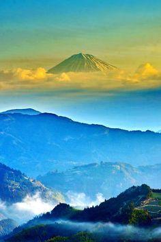 (via 500px / ☆ Fantastic Mt Fuji late winter by KEN OHSAWA)  early morning, Japan