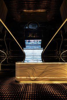 Bar Bond,© Shania Shegedyn