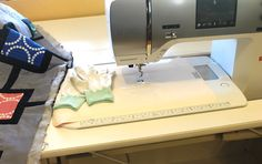 How to do free motion quilting using a regular sewing machine  Supreme Slider Quilting Tool