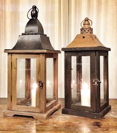 Medium wood lanters