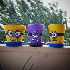Whos excited for the Minion Movie that came out today? Minions, Minion Art, Minion Movie, Flower Pot People, Clay Pot People, Flower Pot Art, Flower Pot Crafts, Painted Plant Pots, Painted Flower Pots