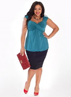 Marilyn Plus Size Top in Bombay Teal
