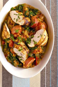 Hoenderborsies met chorizo-wors en lensies | SARIE | Chicken breasts with chorizo South African Recipes, Ethnic Recipes, Chorizo, Eat To Live, Food Shows, What To Cook, Tasty Dishes, I Love Food, Soul Food
