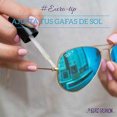 Aprieta tus gafas de sol con un poco de esmalte de uñas transparente. Si el brazo de sus gafas de sol se afloja un poco y no tienes un pequeño destornillador a mano, pintar un poco de esmalte sobre la bisagra para apretar temporalmente.