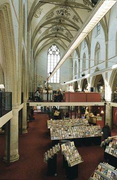 Broederenkerk in Zutphen, sinds 1983 in gebruik als bibliotheek