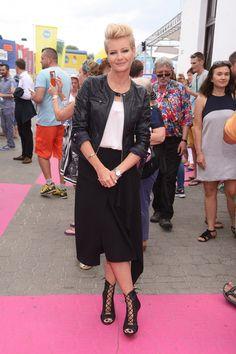 Małgorzata Kożuchowska w czarnej spódnicy
