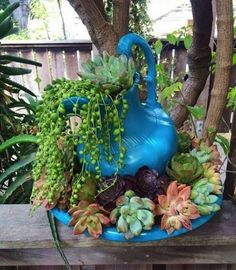 47 Cool And Unique Garden Decor Ideas Garden Planters - Cactus news - Growing Succulents, Succulents In Containers, Cacti And Succulents, Planting Succulents, Planting Flowers, Pictures Of Succulents, Succulent Gardening, Garden Planters, Garden Art