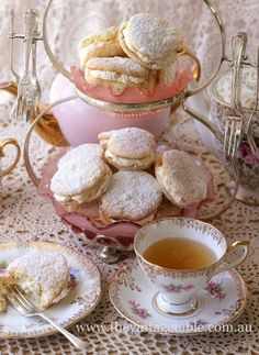 Light cookies and cream for afternoon tea times. Simple and easy recipe.