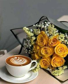 Everybody likes coffee Coffee Shot, Coffee Cafe, Coffee Drinks, Coffee And Books, I Love Coffee, Good Morning Coffee, Coffee Break, Image Couple Amoureux, Coffee Photography