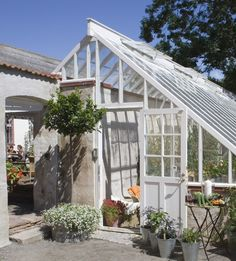 Perennial Flower Gardening - 5 Methods For A Great Backyard Greenhouse Garden Buildings, Garden Structures, Dream Garden, Home And Garden, What Is A Conservatory, Conservatory Ideas, Lean To Greenhouse, Greenhouse Ideas, Victorian Greenhouses