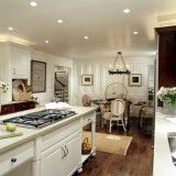 Traditional Kitchen. White Cabinetry.