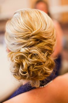 LOVE LOVE SOMETHING LIKE THIS FOR BRIDESMAIDS HAIRSTLYES