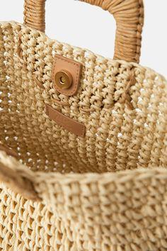 Paper Basket, Basket Bag, Zara, Potli Bags, Jute Bags, Crochet Handbags, Yarn Shop, Summer Bags, Crochet Accessories