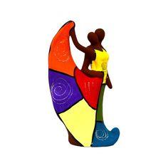 Estatueta Decorativa de Cerâmica Casal de Bailarinos,pintada a mão, peça usada para decoração de seu lar,podendo ser colocada na mesa da sala de estar ou na estante.    Graças ao seu estilo Patchwork ela deixará o ambiente mais alegre e descontraído.    A peça vem com uma camada de feltro para proteção de seus móveis.    Obs: Imagens Ilustrativas - As cores são aleatórias e não seguem um padrão.    PRAZO DE ENTREGA: EM ATÉ 8 DIAS PARA PRODUÇÃO MAIS O PRAZO DOS CORREIOS R$ 81,18
