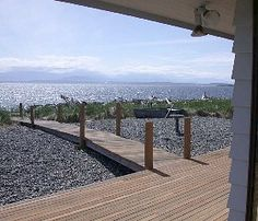 The Ultimate Beach House, quiet with spectacular views & Japanese antiques.