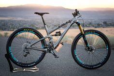 Yeti SB5.5c Top Shelf Shred Monster - Evil_+Yeti_7's Bike Check - Vital MTB