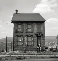 Old house in Upper Mauch Chunk, Pennsylvania, 1940.    By Jack Delano