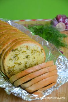 Pieczywo czosnkowo-ziołowe z grilla Polish Recipes, Polish Food, Grilling, Gluten Free, Bread, Cooking, Kitchen, Glutenfree, Polish Food Recipes