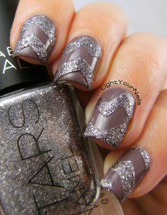 Chevron nails  #nails #nailpolish #nailart #chevron #chinaglaze #taupe #textured #glitters #GOT