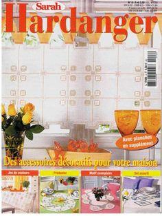 Revista da toalha redonda com flor redonda