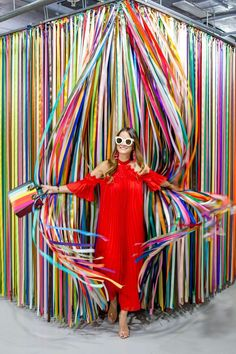 Looking for the newest colorful sensation? Well, The Color Factory San Francisco has you covered! This limited run pop up is nothing short of amazing! Display Design, Booth Design, Photowall Ideas, Party Set, 21 Party, Instalation Art, Photo Zone, Visual Merchandising, Event Decor