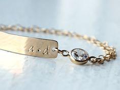 Personalisierte Armband  Braut Armband  von DavieandChiyo auf Etsy