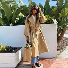 Khaki Trenchcoat, Trendy Outfits, Cool Outfits, Trench Coat Outfit, Trench Coats, Italian Fashion, Autumn Fashion, Street Style, Style Inspiration