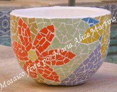 Vaso pequeno em mosaico
