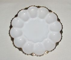 GORGEOUS VINTAGE MILK GLASS & GOLD OYSTER SERVING PLATE PLATTER GREAT DETAIL  #MilkGlass