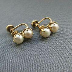 Diamond Hoops Earrings / Gold Single Bezel Set Diamond Hoops / Diamond Earrings / Gold Hoop available in Gold, Rose Gold, White Gold - Fine Jewelry Ideas- Pearl Jewelry, Wedding Jewelry, Gold Jewelry, Jewelry Accessories, Fine Jewelry, Jewelry Design, Jewelry Ideas, India Jewelry, Etsy Jewelry