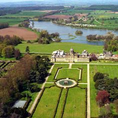 aerial view of Castle Howard, Yorkshire, England, (Baroque) 1699 Yorkshire England, North Yorkshire, England Uk, Visit England, Palaces, Beautiful Castles, Beautiful Places, Brideshead Revisited, Castles In England