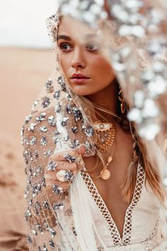 Rue de Seine designs beautiful chic wedding gowns and bridal dresses for the modern bride inspired by the romance of the Rue de Seine, Paris and sold… Glamorous Wedding, Boho Wedding, Magical Wedding, Boho Chic, Boho Style, Kreative Portraits, Mode Hippie, Bohemian Bride, Modern Bohemian