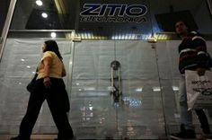 Caracas (AFP) - Venezuelans, already struggling to find basics like milk and toilet paper at the supermarket, are now confronted with empty appliance store windows and clothes racks at shopping centers.