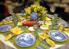 My Place to Yours: A GLORIOUS Tablescape Event