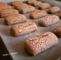 Hobbies For Women Over 50 Biscotti Cookies, Biscotti Recipe, Galletas Cookies, Yummy Cookies, Milk Cookies, Italian Biscuits, Italian Cookies, Pastry Recipes, Cookie Recipes