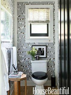 Like the bird wallpaper and black toilet seat. Black Toilet Seats, Wood Toilet Seat, Bird Wallpaper, Bathroom Wallpaper, Amazing Wallpaper, Wallpaper Ideas, Tiny Bathrooms, Beautiful Bathrooms, Retro Bathrooms